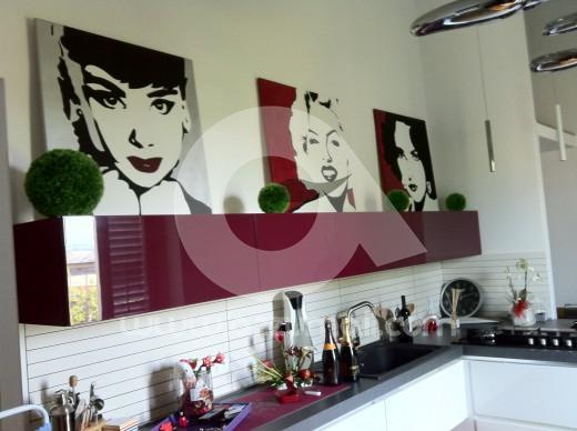 ritratti-quadri-pop-art-da-foto-liz-taylor-audrey-hepburn-marilyn-monroe-film-attrici-hollywood-arredamento-colori-dipinto-a-mano-vendita-arte-artista-azzumail-amore