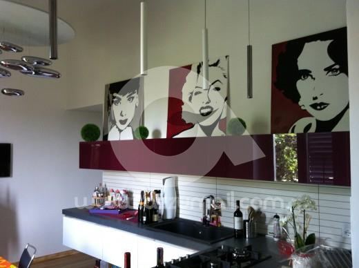 Azzumail quadri moderni buongiorno e buona estate for Quadri moderni salotto